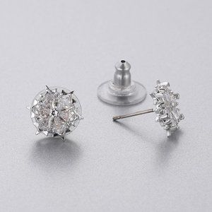 SWAROVSKI MAGIC snowflake earrings